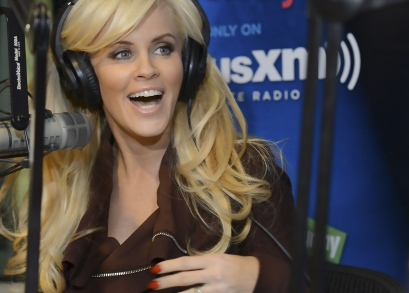 Jenny McCarthy talking to Dr. Pam in <i>Love, Sweat & Tears</i>