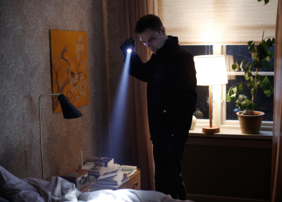 Scene from Modus