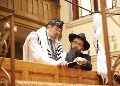 Csanad Szegedi and Rabbi Boruch Oberlander in KEEP QUIET