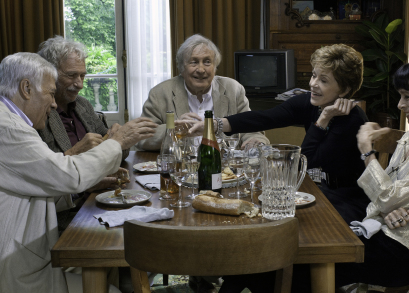 From left: Guy Bedos as Jean Colin, Pierre Richard as Albert, Claude Rich as Claude Blanchard, Jane Fonda as Jeanne and Geraldine Chaplin as Annie Colin.