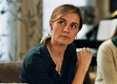 Anne Consigny as Francoise Graff.