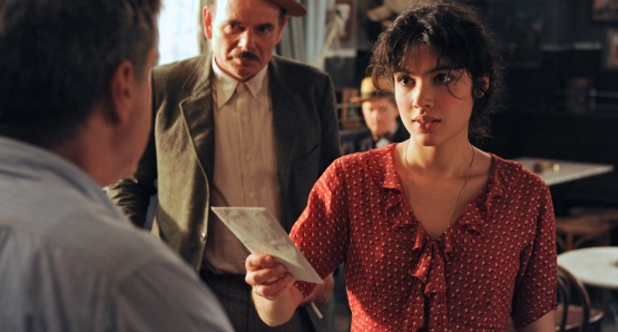 Daniel Auteuil as César, Jean-Pierre Darroussin as Panisse, and Victoire Bélézy as Fanny in FANNY, a film by Daniel Auteuil.