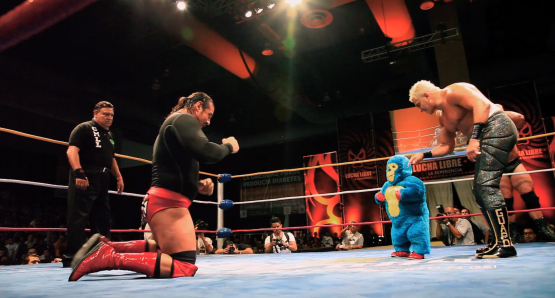 Hector (l), Kemonito (c, in blue costume), Shocker (r)