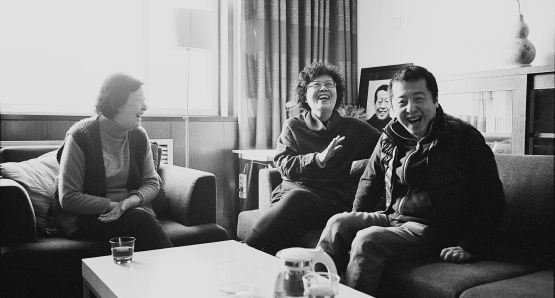 Zhang Ruiying (mother), Zhang Hong (sister) and Jia Zhangke